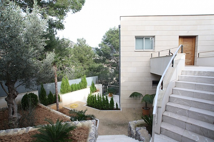 photo 4 Minimalist style house with guest apartment Port of Soller.