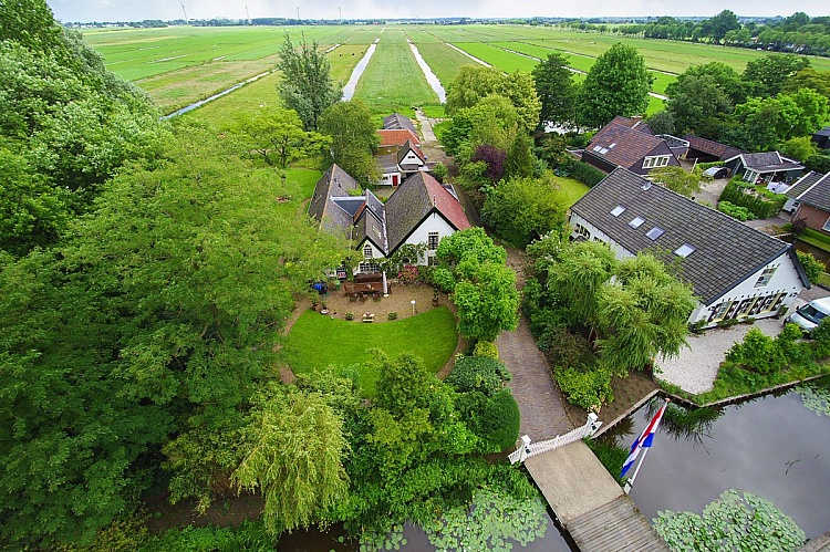 photo 1 Luxury and comfortable farmhouse in rural environment near Amsterdam