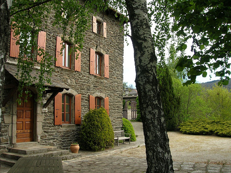 photo 2 Stylish historic family home near Villefort, Cévennes