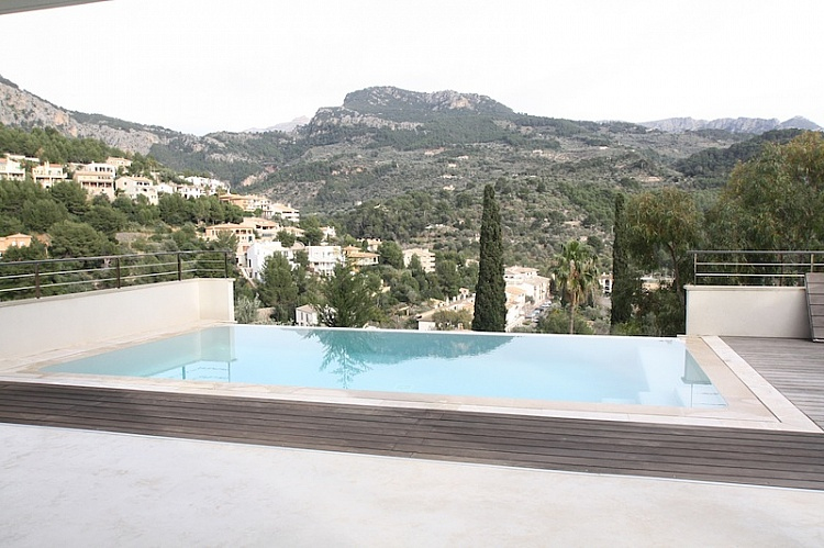 photo 3 Minimalist style house with guest apartment Port of Soller.