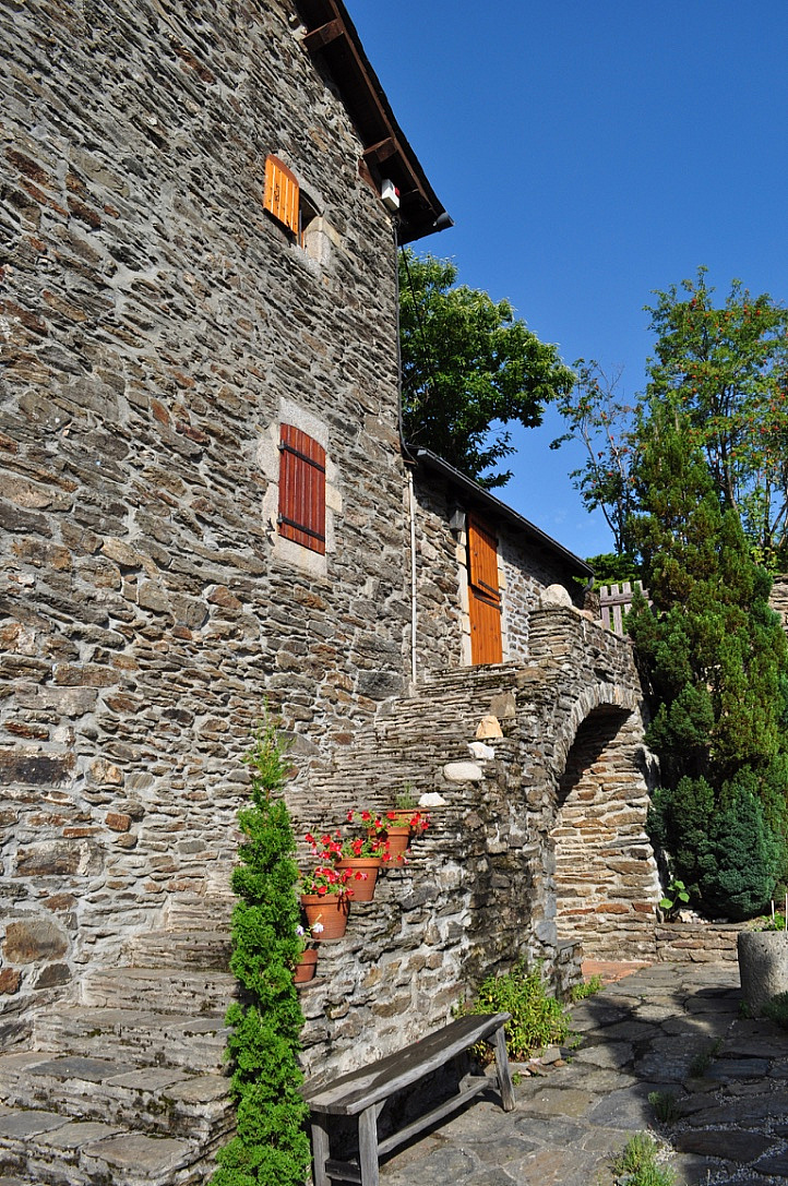 photo 3 Stylish historic family home near Villefort, Cévennes