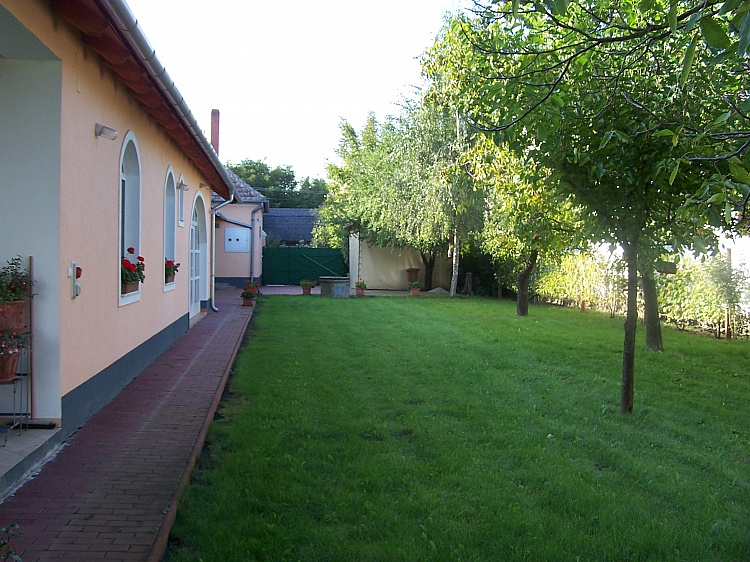 photo 3 Hungarian country property with swimming pool near Vienna
