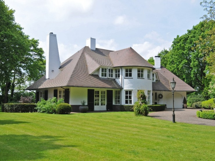 Villa in one of Holland's most prestigious and exclusive areas, Het Gooi