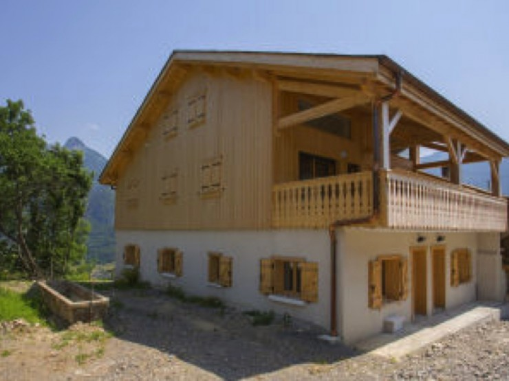 Appartment (demi-chalet) 3 bedrooms in Portes du Soleil area near Morzine